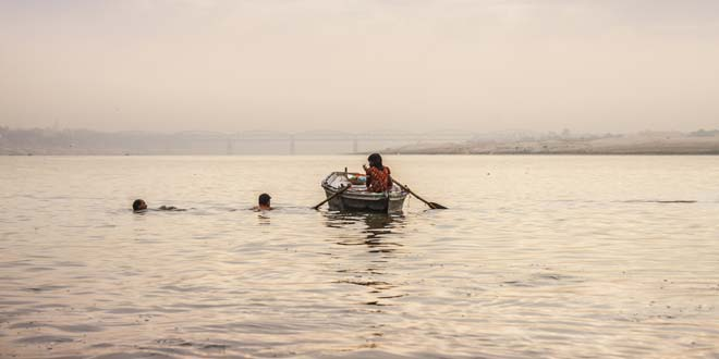 11-Year-Old Shraddha Swims 570 Km From Kanpur To Varanasi, To Spread The Message Of 'Clean Ganga'